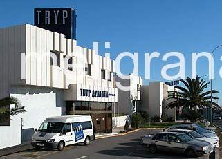 HotelTryp Azafata